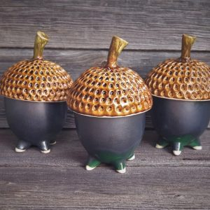 Rankų darbo keramikos dirbiniai. Cukrinė juodas giliukas
